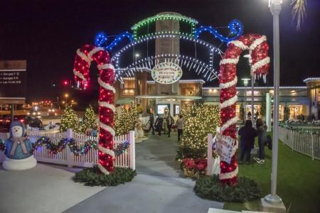 Rides · Holiday Film Festival · Holiday Light ... - Light Up UCF CFE Arena